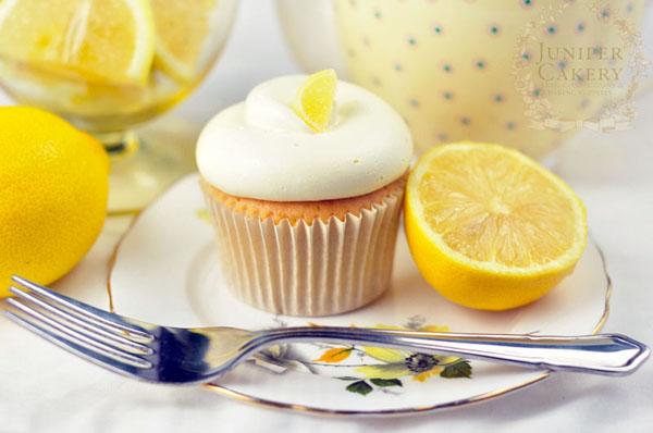 Yummy lemon cupcake!