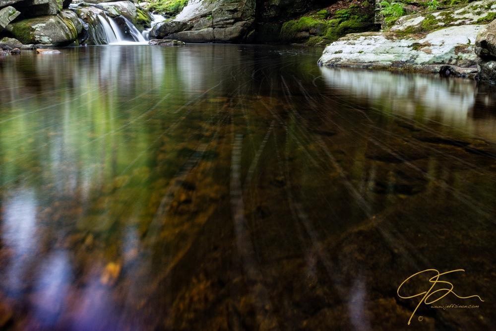 Water scene with polarizer.