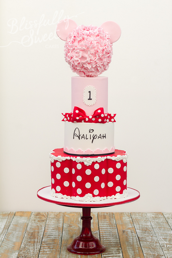 Minnie Mouse tiered floral cake