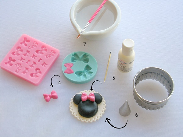 Minnie silhouette fondant tutorial step 2