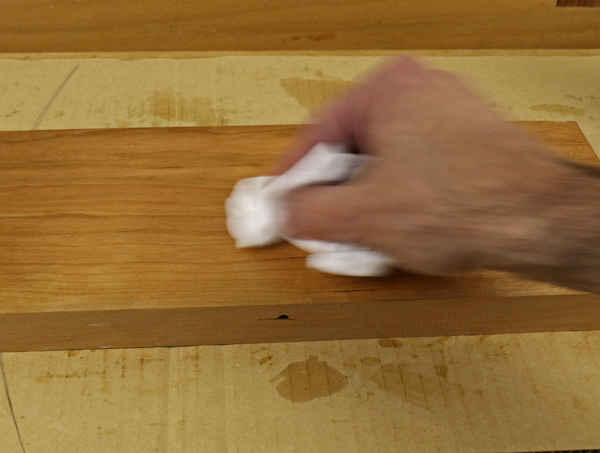 adding gel varnish with a rag