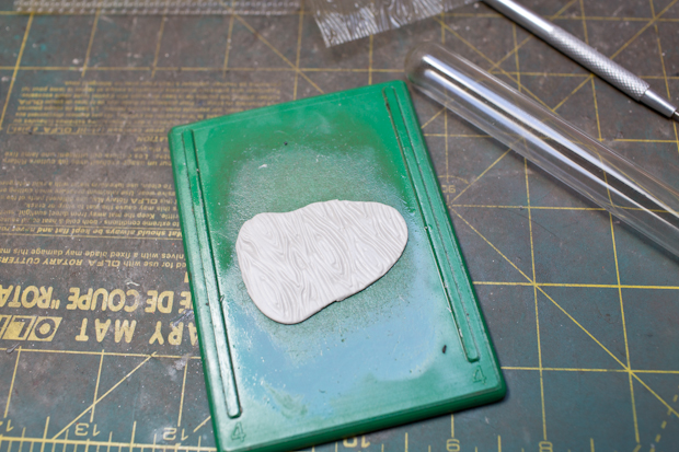 Texturized clay
