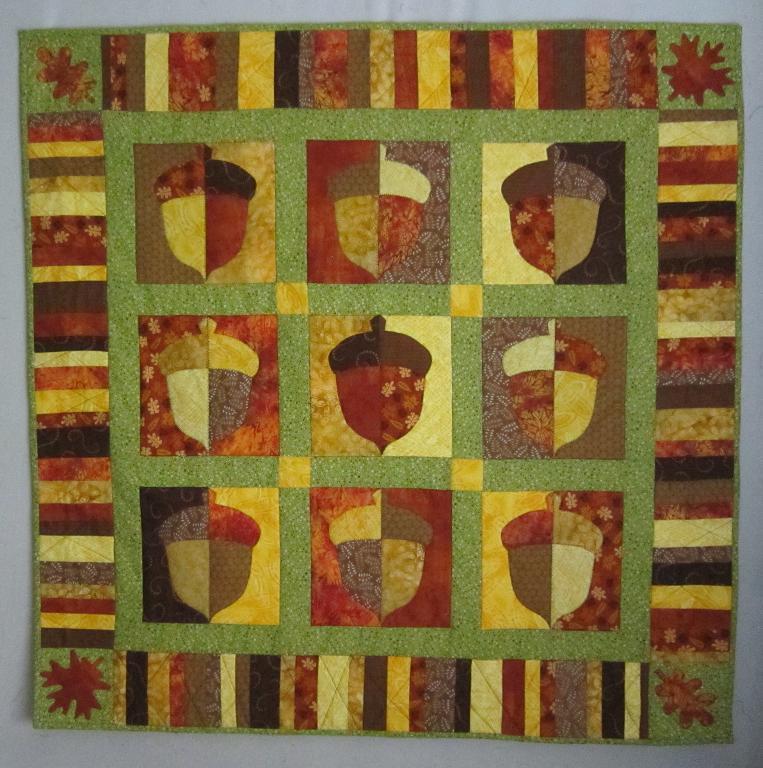 Acorn throw quilt