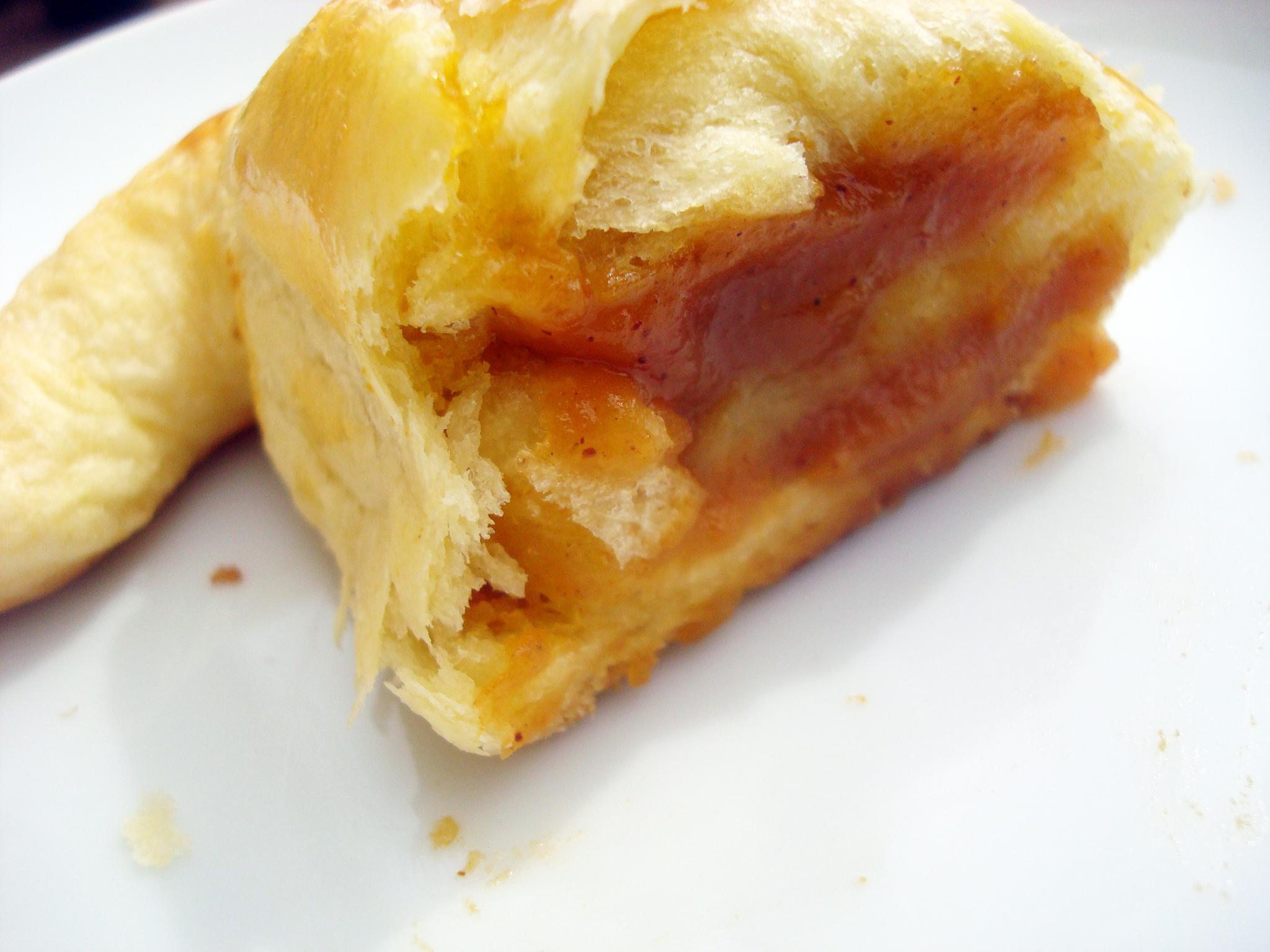 Pumpkin pie croissant