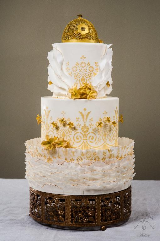 Gold and ivory frill cake by Craftsy member Leyda Vakarelov