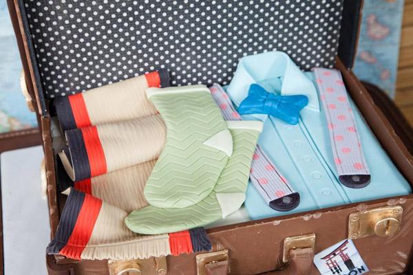 Luggage cake by Bluprint instructor Lauren Kitchens