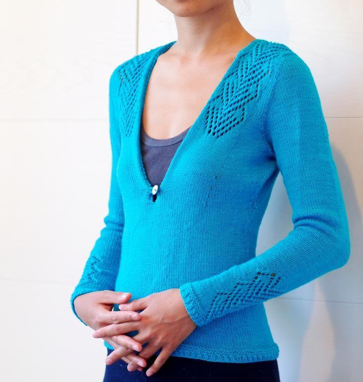 Fiori di Cuore Pullover knitting pattern