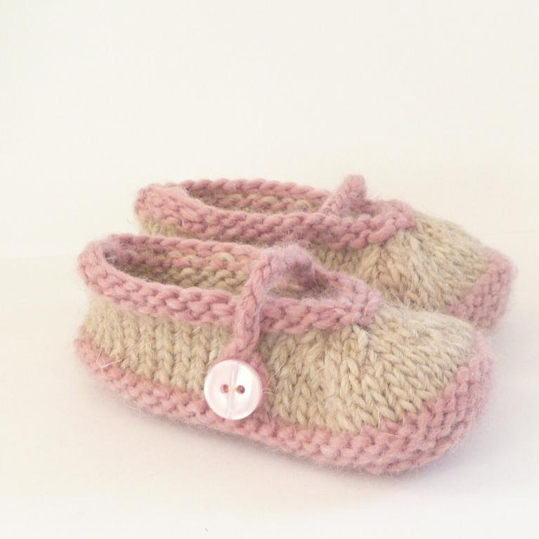 Simple Seamless Mary Janes knitting pattern