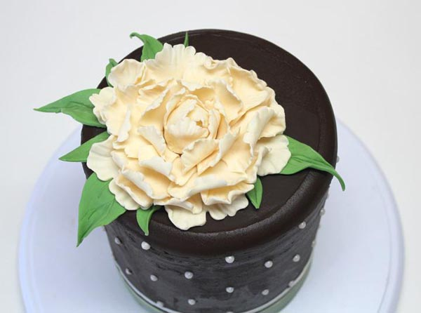 White peony cake by Bluprint member Bobert