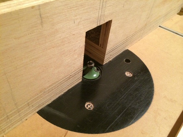 roundover bit on router table