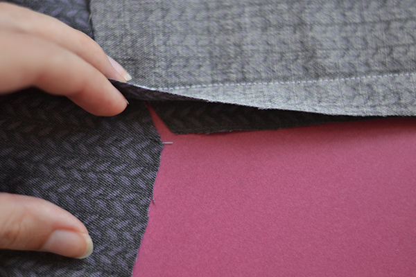 right-angle seam: clip until the stitching line
