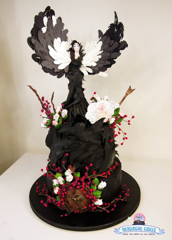 Katniss Hunger Games cake