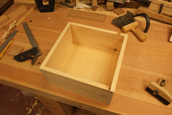 Completed box with bottom