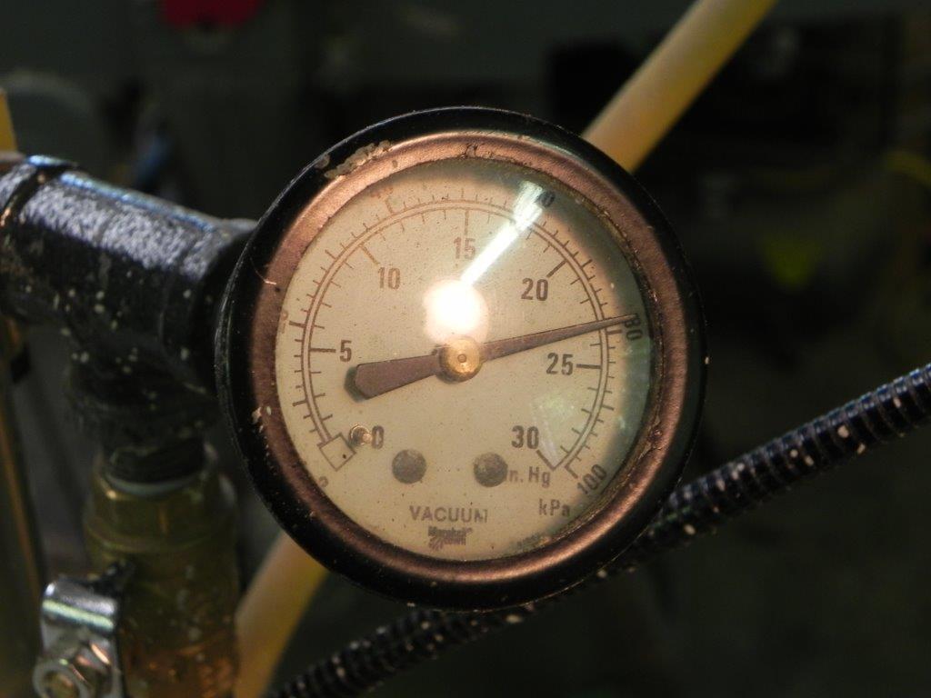 Vacuum system gauge