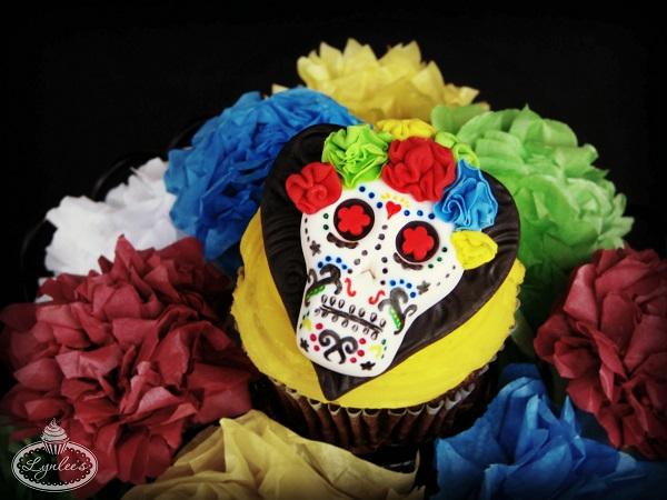 Dia de los Muertos fondant cupcake topper