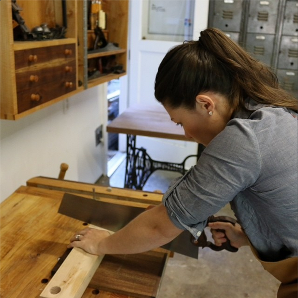 Holding your work securely, in a vise, on sawbenches, or against bench hooks reduces chatter