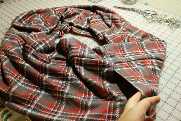 Sewing the scarf edges together