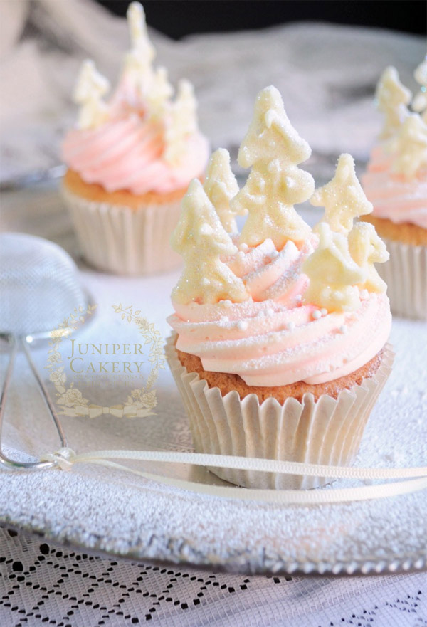Peppermint and cotton candy cupcakes by Juniper Cakery