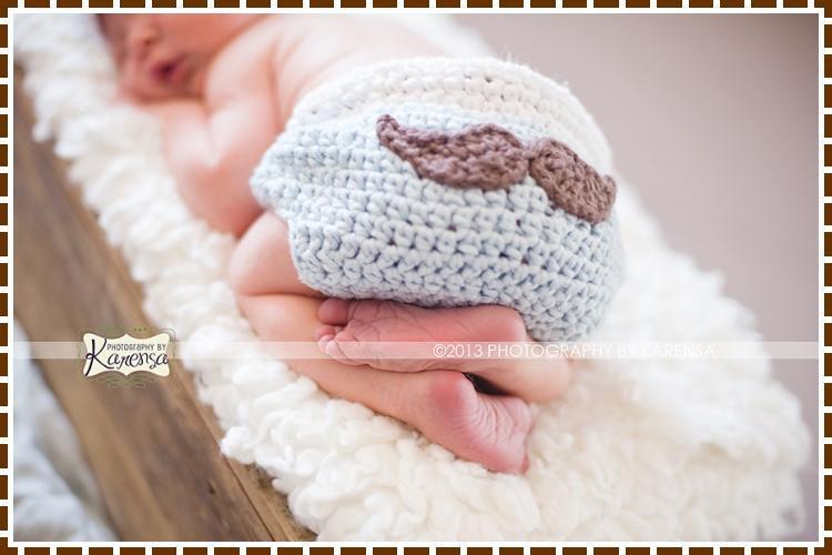 Lil Man Mustache Diaper Cover crochet pattern