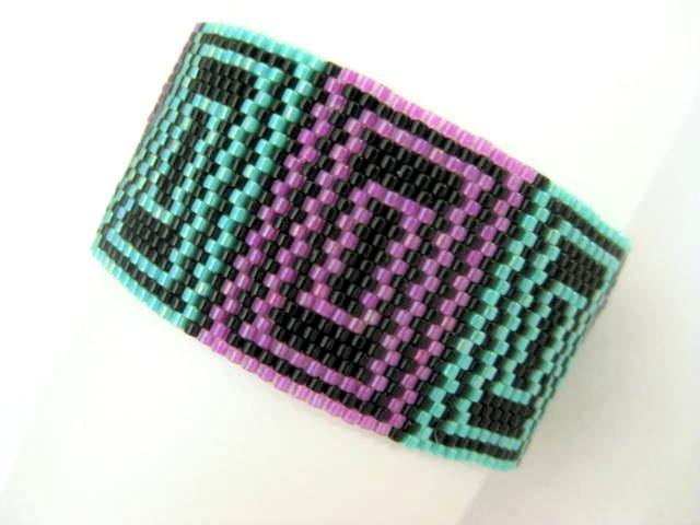 Quadrant Design peyote stitch bracelet pattern