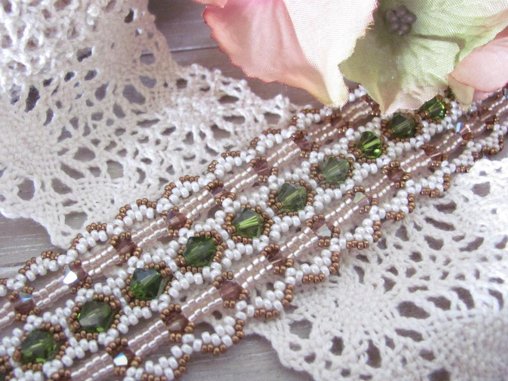 Beadwoven Lace Ribbon Bracelet jewelry pattern