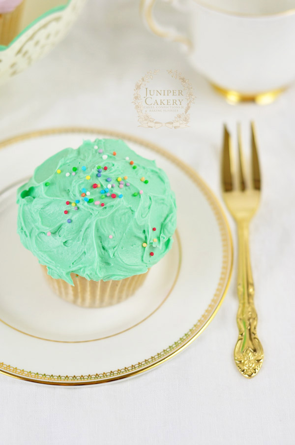 Rustic and messy buttercream cupcake