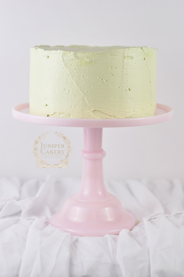 How to decorate a rustic buttercream cake