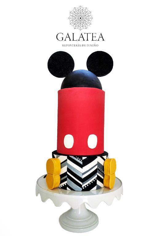 Modern Mickey Mouse cake