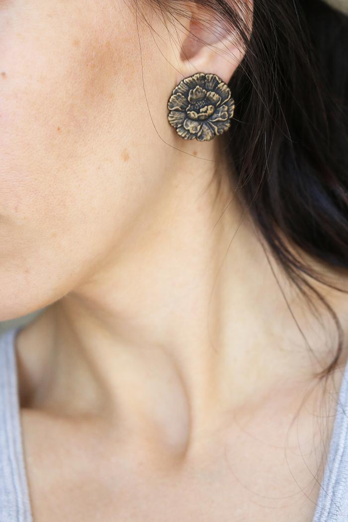 Ear Clip Button Earring modeling