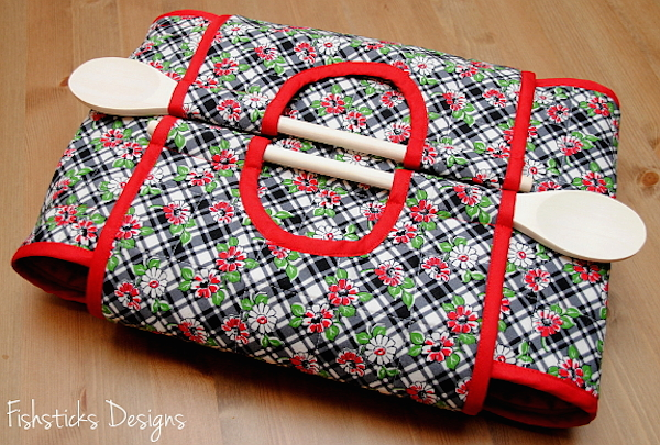 Indygo Junction Casserole Carry-All by Fishsticks Designs