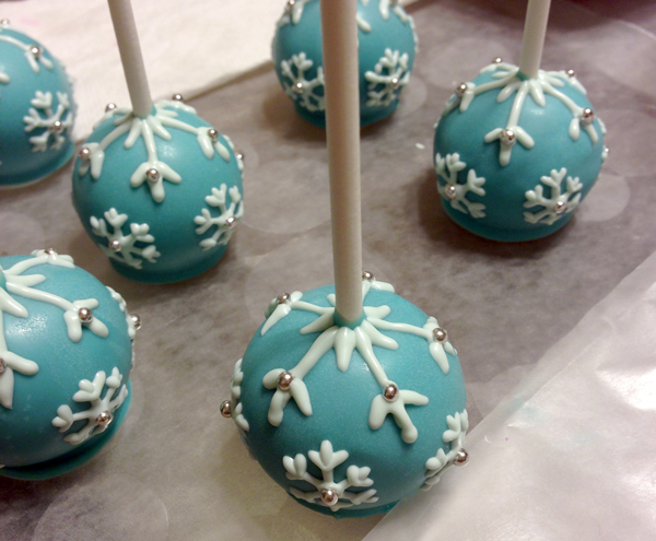 Blue snowflake upside-down cake pops