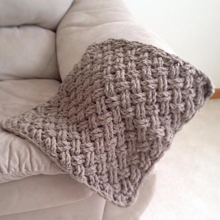 Diagonal Weave Blanket Crochet Pattern