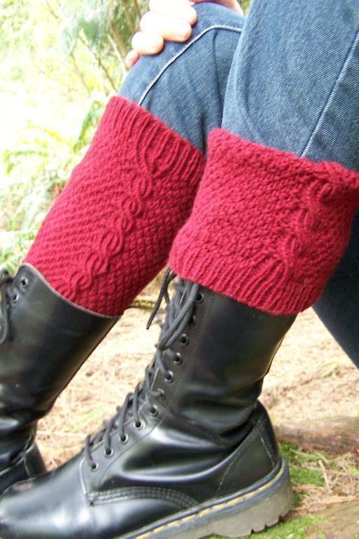 Fiddlehead Reversible Boot Socks knitting pattern