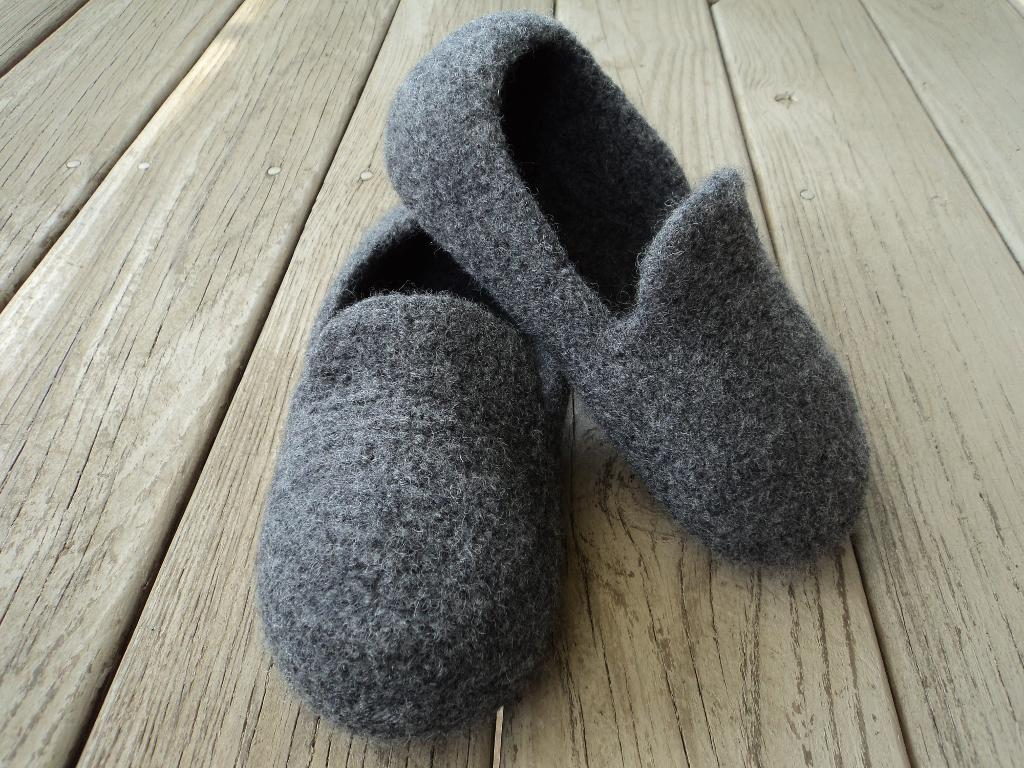 Mens Loafer Slippers Felted Knit
