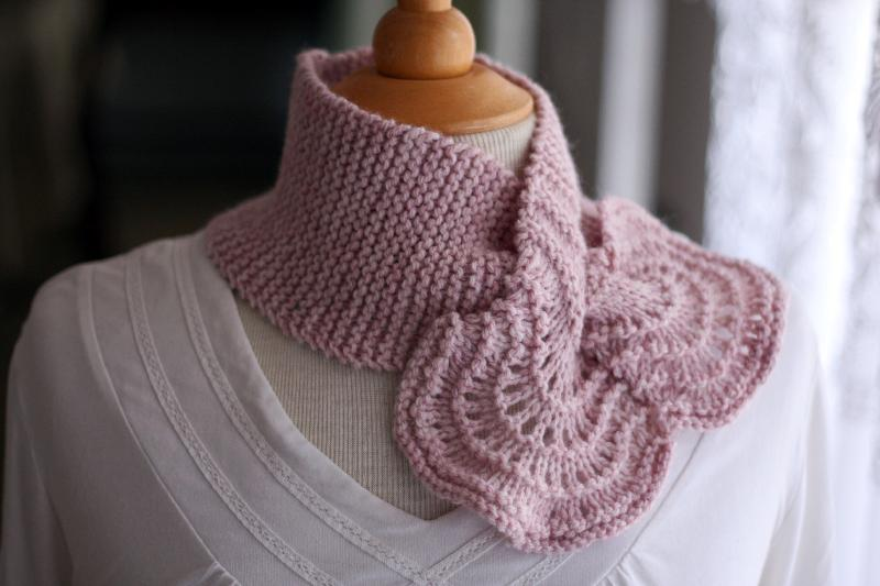 Lacy Keyhole Scarf knitting pattern