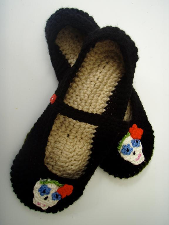 Sugar Skull Slippers crochet pattern