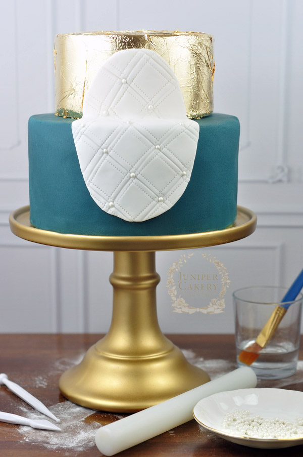 Steps for how to create a frame cake