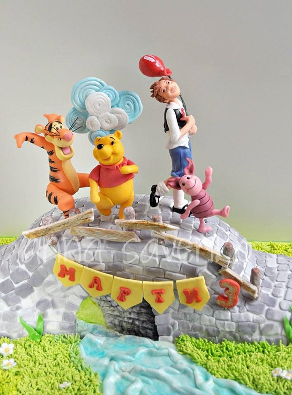 Christopher Robin and friends cake