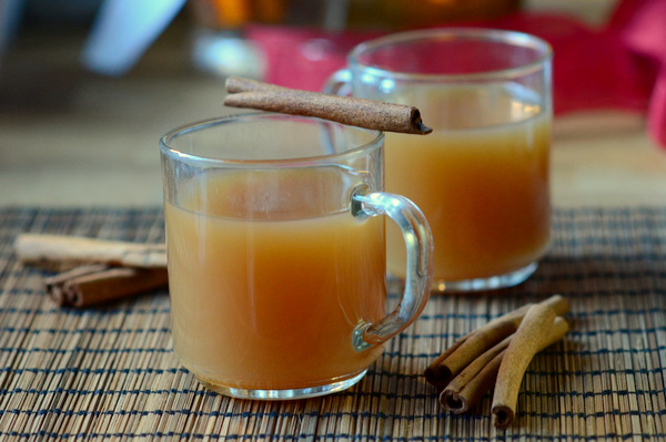 How to Make Homemade Spiced Cider