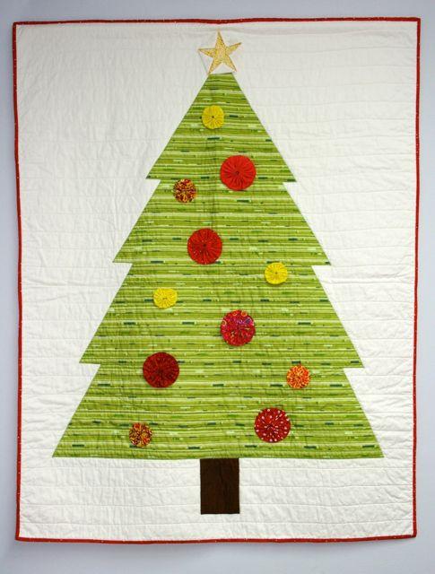 Applique modern Christmas tree quilt