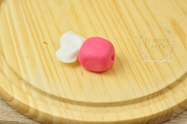 Gum paste taffy candy tutorial by Juniper Cakery