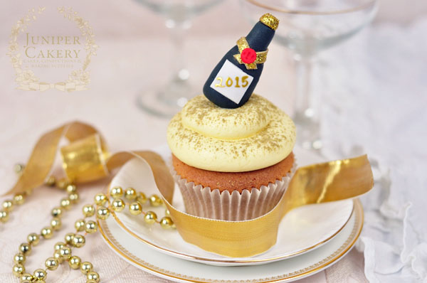 Fun gum paste champagne bottle tutorial for parties by Juniper Cakery