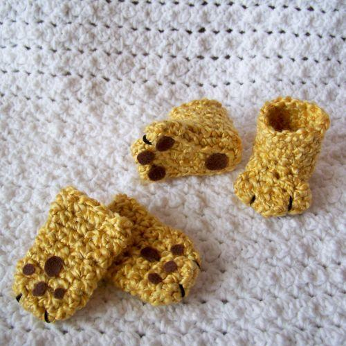 Lion Paws Booties and Mittens crochet pattern