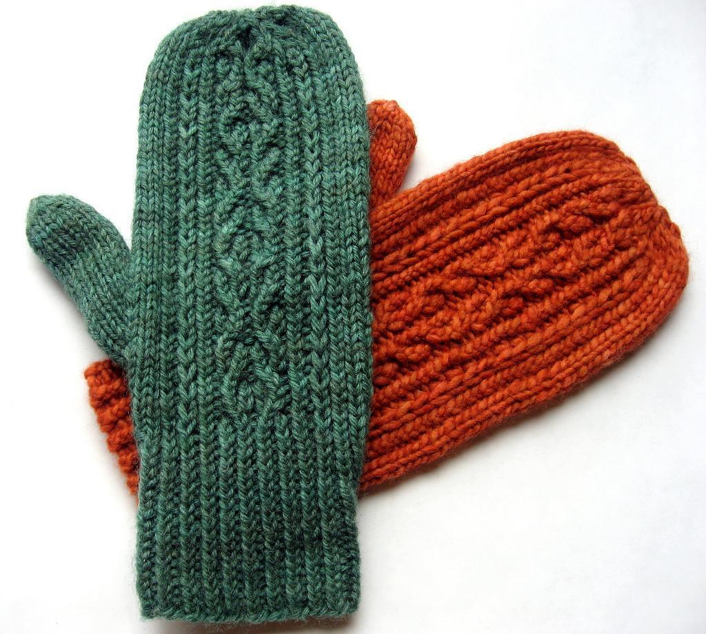 Ramble On Mittens knitting pattern