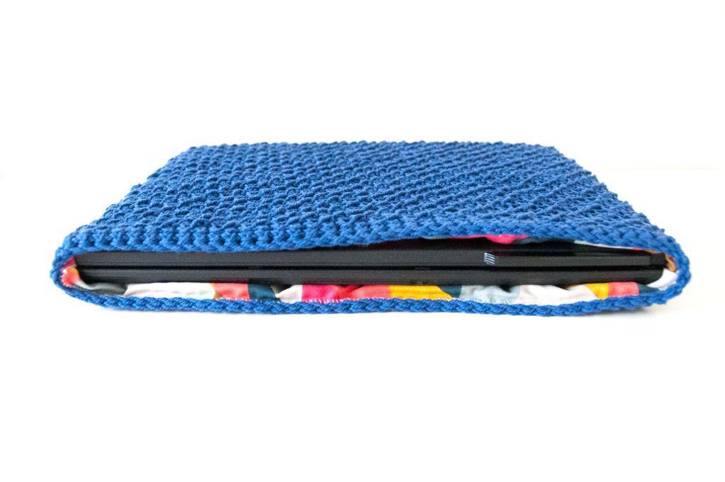 Crochet laptop cover crochet pattern
