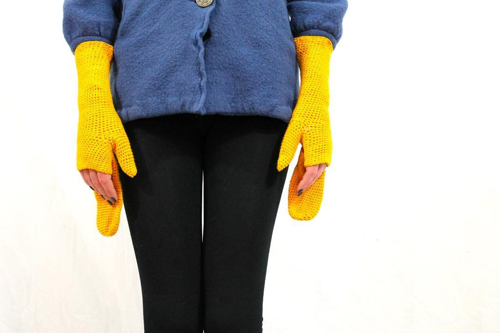 Mustard Mittens crochet pattern