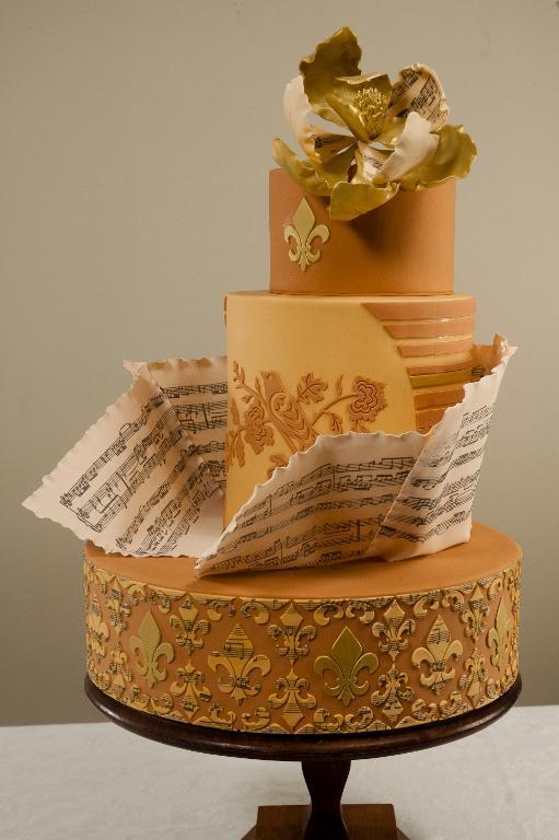 Grazioso Magnolia cake by Bluprint member Leyda Vakarelov's
