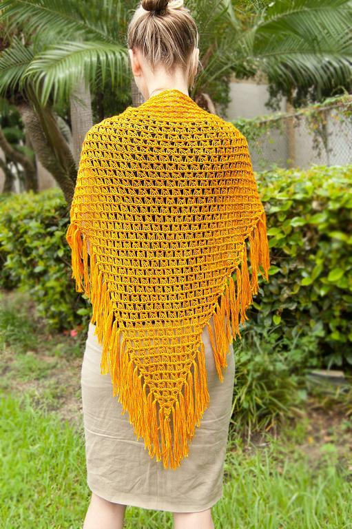 offset broomstick lace crochet shawl