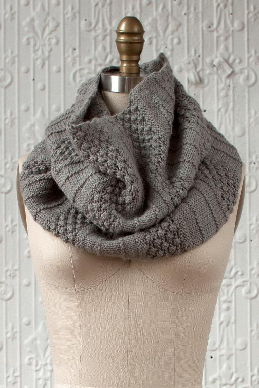 Empalme Cowl knitting kit