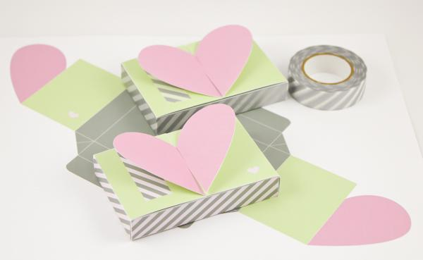 Heart Top Gift Card Holder